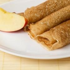 Apple and cinnamon pancake